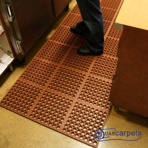 interlocking drainage mats