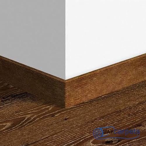 wooden wall skirting